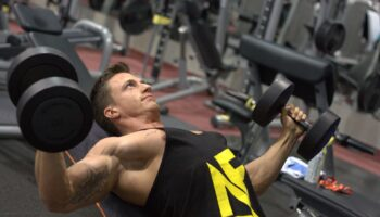 大胸筋下部の筋トレメニュー5選!筋肉の構造と鍛え方のコツも紹介
